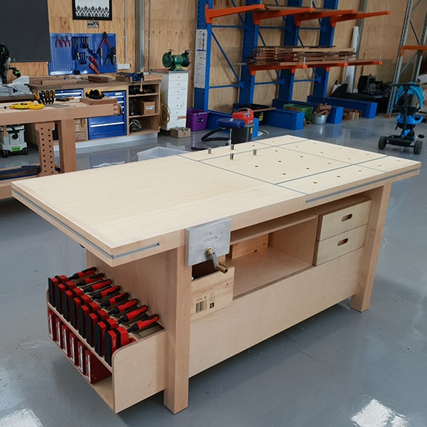 Assembly Bench in plywood, rock maple and bamboo